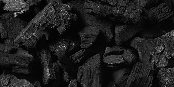 geactiveerde houtskool voor intensieve reiniging van je huid