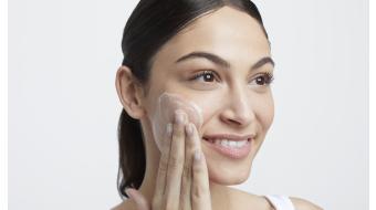 Zo reinig je een droge huid